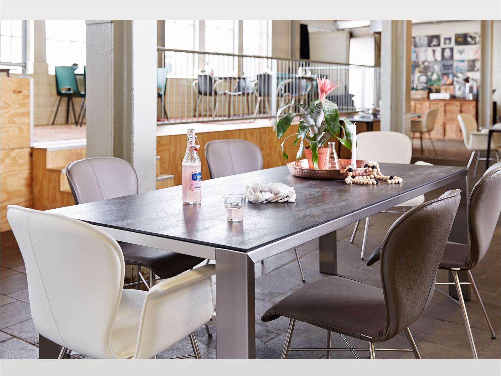 edge keramiek kees verhouden meubelen. Black Bedroom Furniture Sets. Home Design Ideas