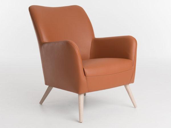 Bolero fauteuil met houten poten