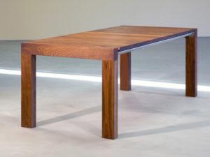 tafel massief notenhout