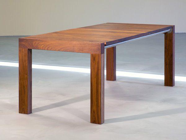 tafel Bronx massief notenhout uit de CASE collectie