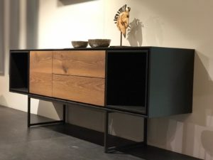 Shadow dressoir uit de CASE collectie