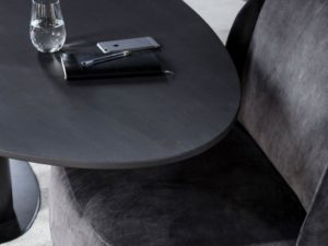 Buddha low dining table bij Kees Verhouden Meubelen