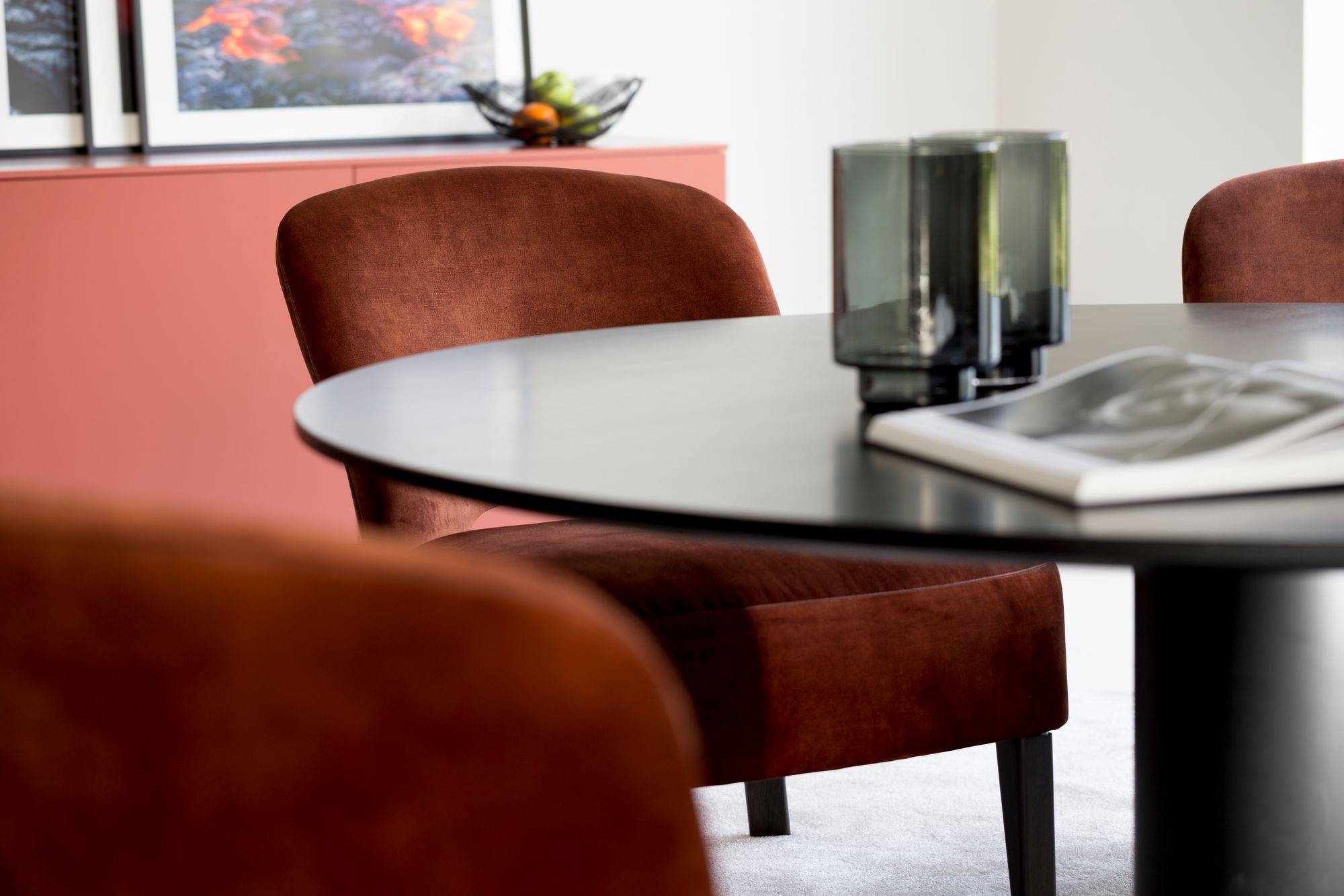 Buddha_low_dining_kees-verhouden-meubelen
